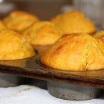 Muffin di farro integrale alla mela e cannella