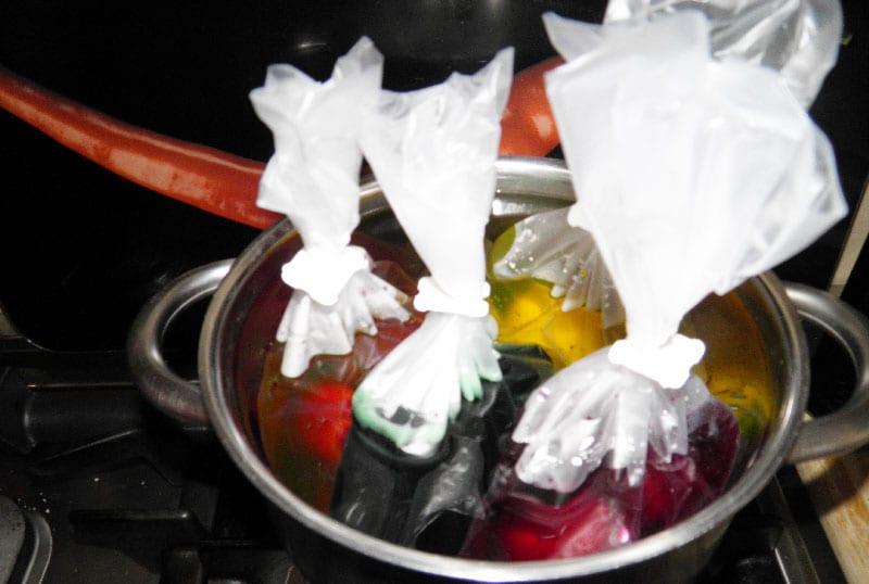colorare le uova sode