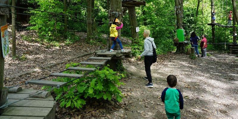 Inizio percorso del parco avventura per bambini