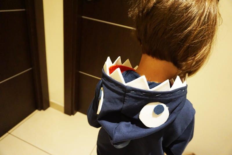 tutorial per costume per bambini felpa squalo