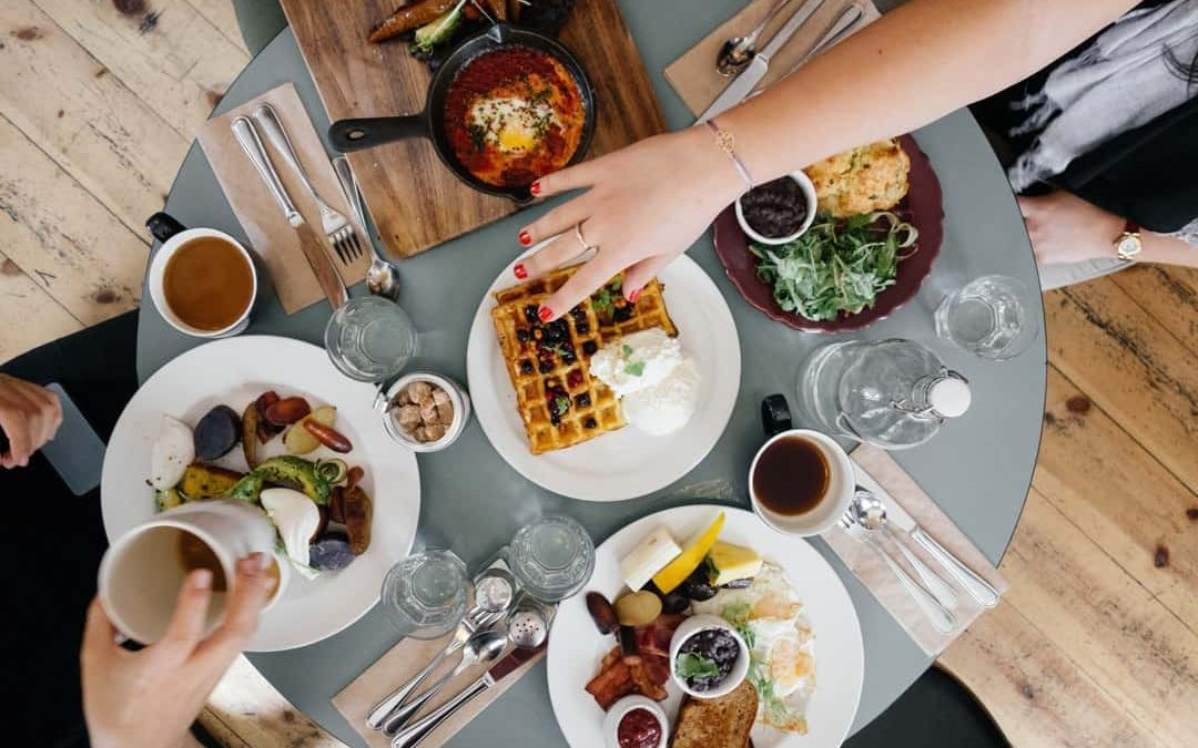 EATING FOR HAPPINESS: LA FELICITA' IN CUCINA.