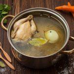 Proprietà e benefici del brodo di pollo o gallina
