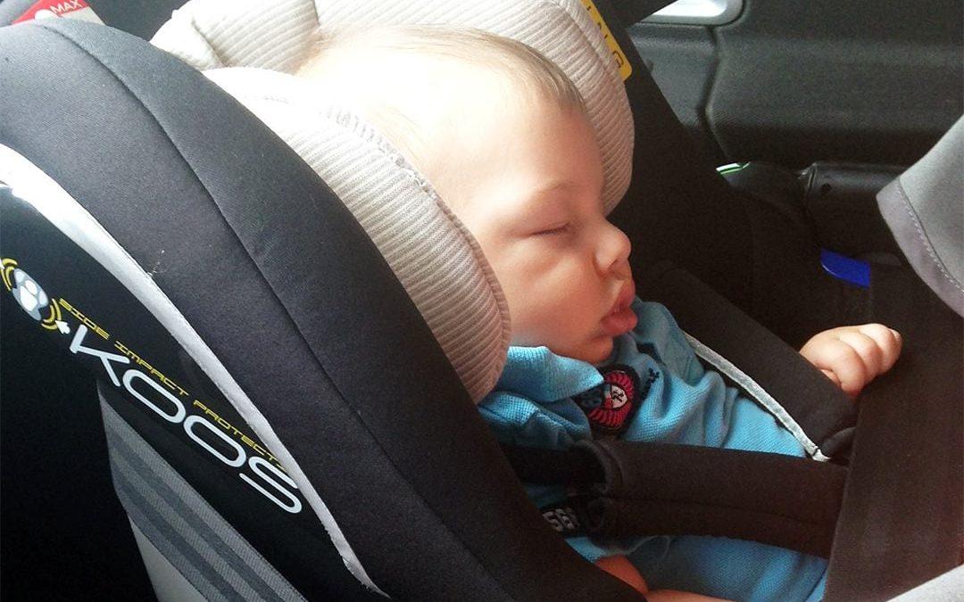Sicurezza dei bambini in auto: le 10 regole