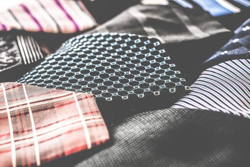 vestire con la seta anche per uomo