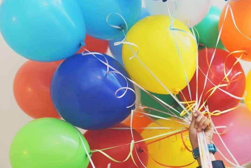 Decorazione per festa compleanno prato con portacandele e numeri